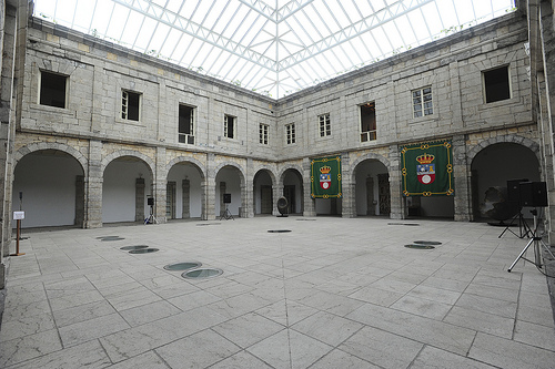 Patio central del Parlamento de Cantabria